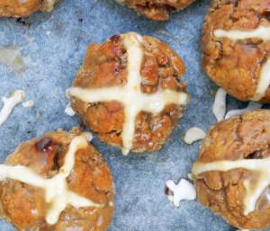 Gluten-free-caramel-hot-cross-buns.