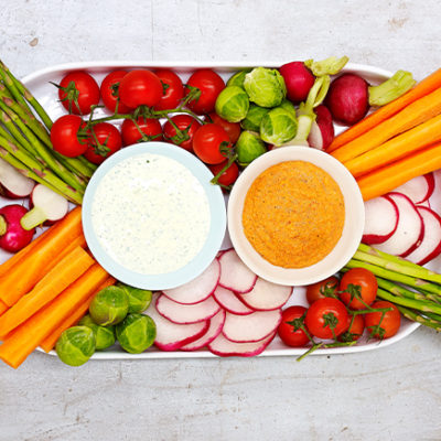 Gluten-free-capsicum-dip-with-sliced-carrot-and-other-vegetable-crudites
