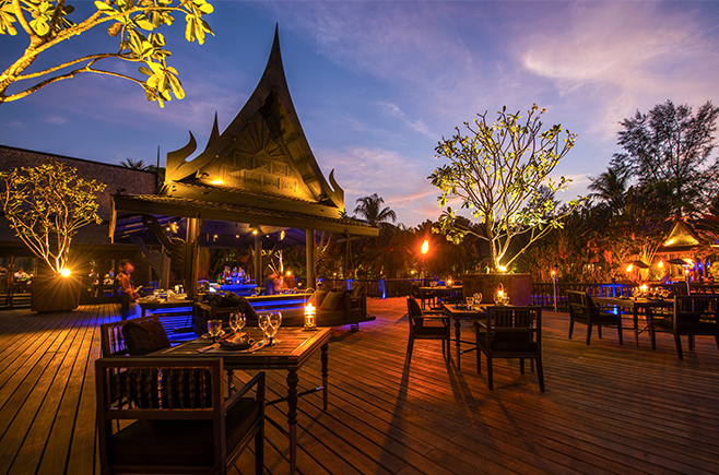 The-beautiful-deck-at-Black-Ginger-Restaurant-at-The-Slate-Resort-Phuket.